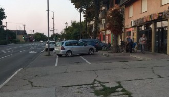 Parking na biciklističkoj stazi?!
