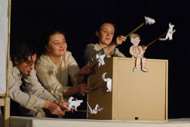 Predstava za decu: Čovečuljak - Emberke