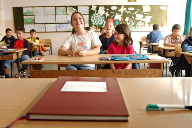 Đaci se vraćaju u školske klupe