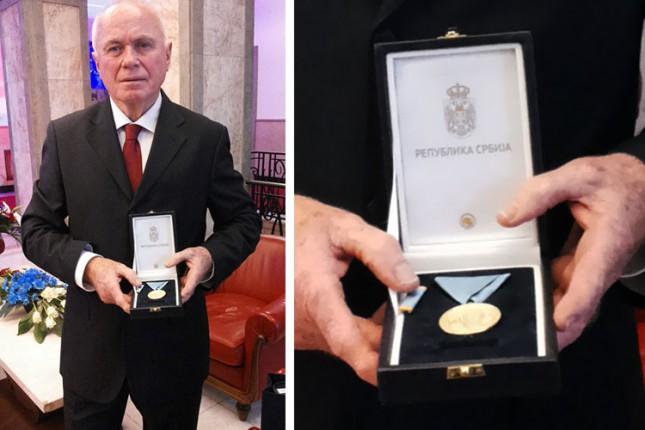Predsednik Srbije uručio Slobodanu Markoviću Zlatnu medalju za zasluge