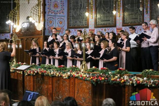 """Dve decenije crkvenog hora """"Sveti Roman Melod"""""""