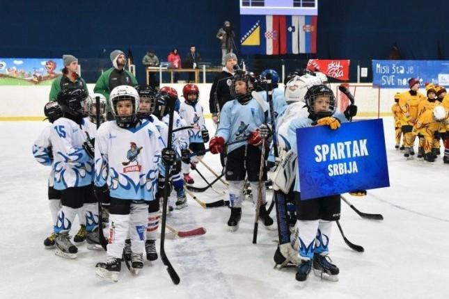 Uspešan vikend hokejaša Spartaka na turniru u Sarajevu i u okviru Prvenstva Mađarske