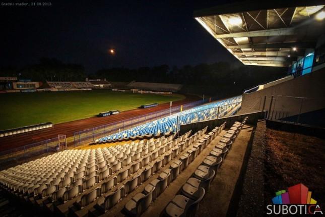 Reflektori na Gradskom stadionu tek od naredne sezone
