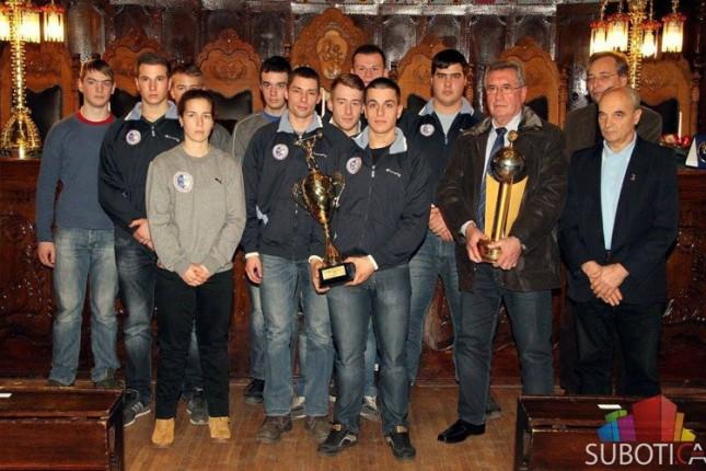Devet medalja Kluba dizača tegova Spartaka na juniorskom Prvenstvu Vojvodine