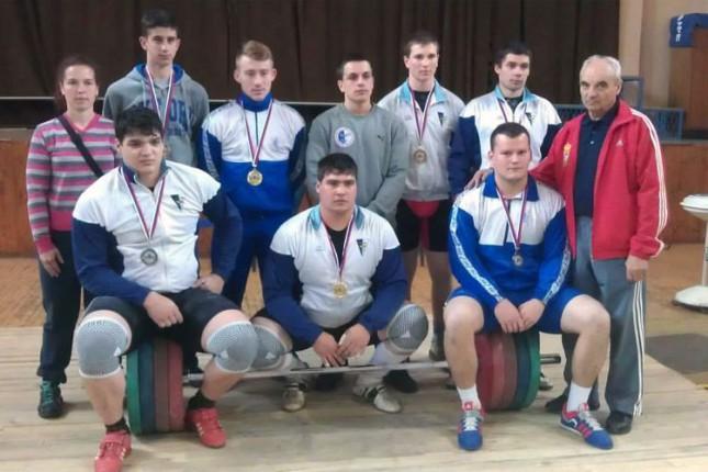 Dizači tegova Spartaka najuspešniji na prvenstvu Vojvodine