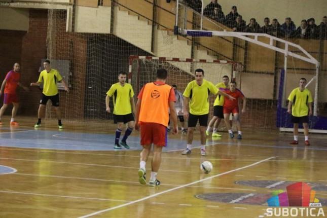Mali fudbal: Borba za trofej 46. Novogodišnjeg turnira u subotu