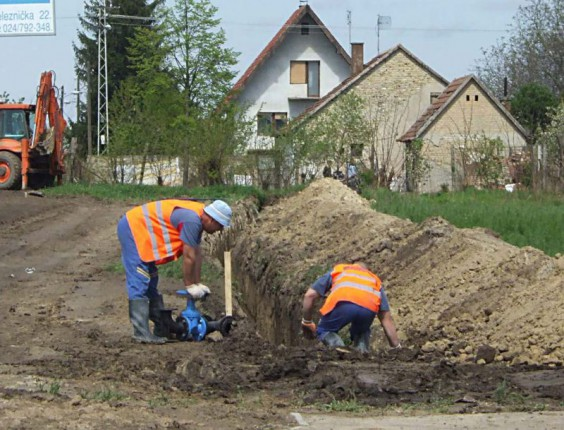 Radovi na vodovodnoj mreži u Kertvarošu i Malom Radanovcu (15.08.)