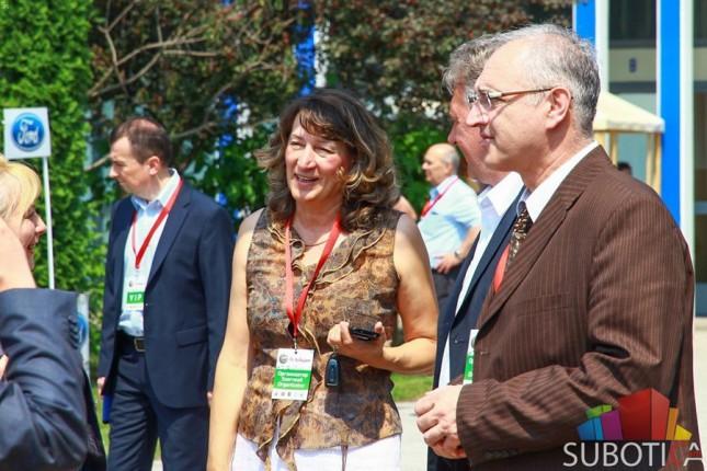 """Otvoren Međunarodni i regionalni sajam privrede """"SuSajam 2015"""""""