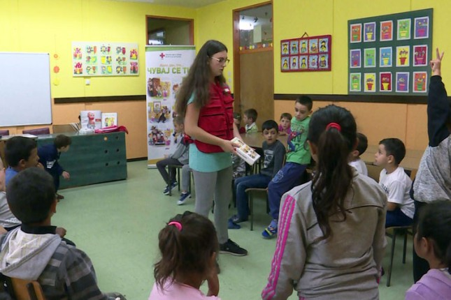 Crveni krst edukovao učenike da prepoznaju trgovinu ljudima