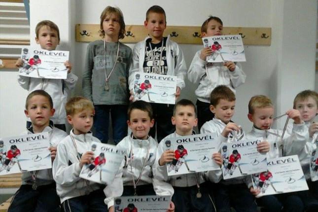 Hokejaši Spartaka (U8/U10) učestvovali na turniru u Budimpešti