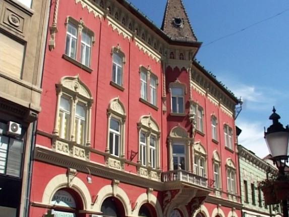 Lepe, ali skupe fasade u gradu