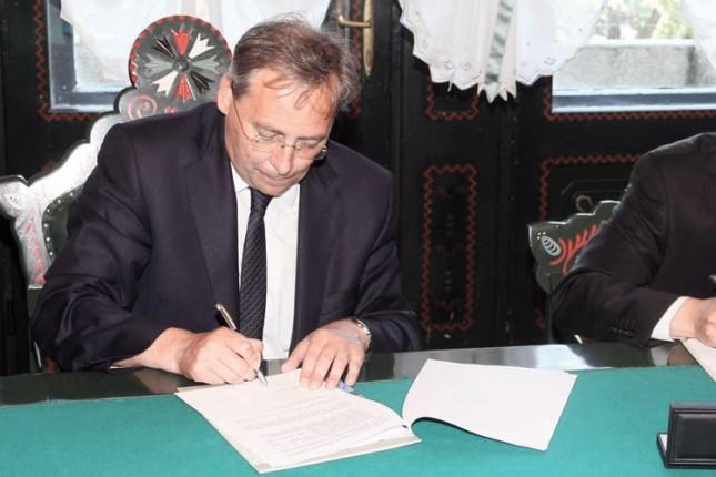 Potpisani ugovori o izgradnji kanalizacione mreže na Paliću