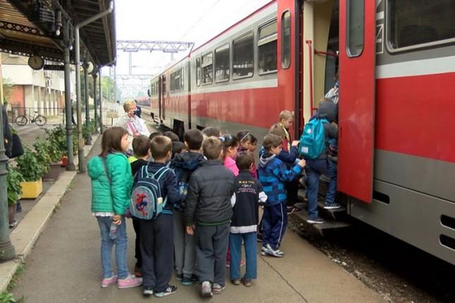 Đaci posetili Železničku stanicu