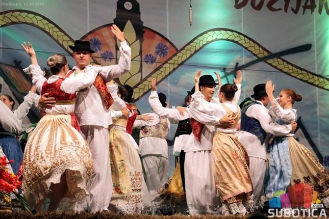 """OKUD """"Mladost"""" upisuje 71. generaciju čuvara tradicije"""