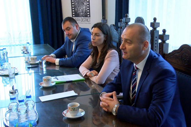 Međuinstitucionalna saradnja u rešavanju problema izbegličke krize