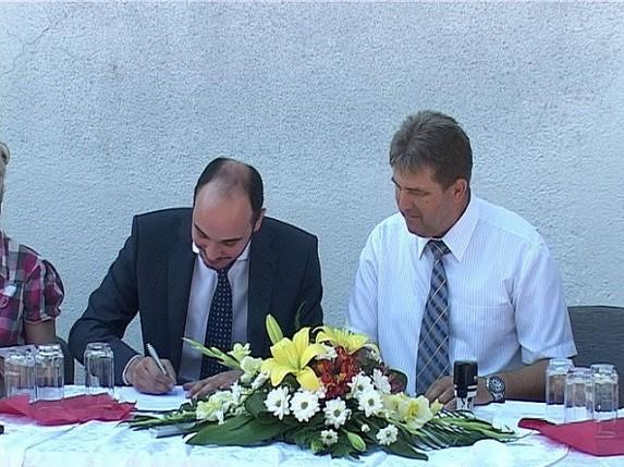 Potpisani ugovori za dva projekta u Hajdukovu
