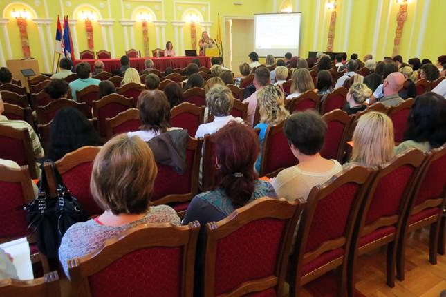 Naučni skup o rešavanju problema inkluzije romske dece