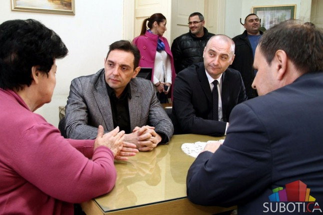 Ministar Vulin u poseti Udruženju penzionera