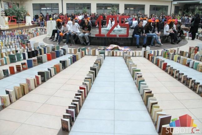 Gradska biblioteka uz jedinstven domino spektakl proslavila 125. rođendan
