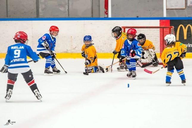 Mladi hokejaši Spartaka otvorili sezonu