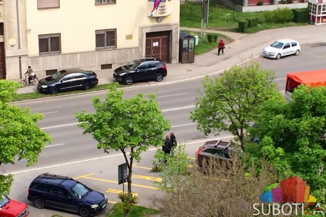 Diplomate bahato parkiraju, komunalci reaguju...