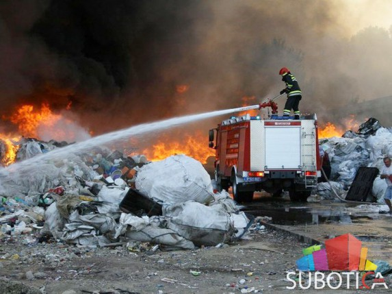 """Lokalizovan požar u reciklažnom centru """"Interkord"""""""