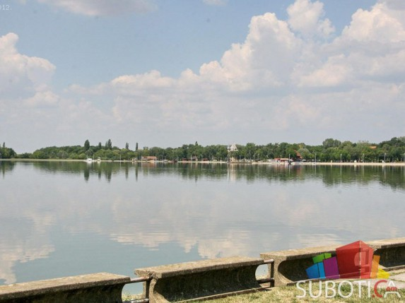 U Palićko jezero upumpano 400.000 kubika vode