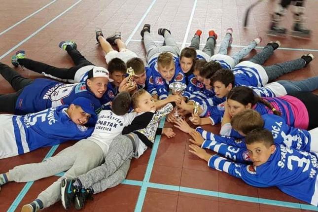 Hokejaši Spartaka (U14) šampioni Srbije u inlajn hokeju