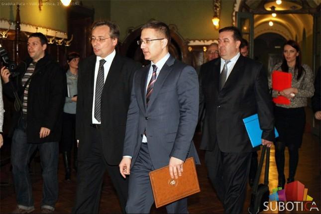 """Ministar Stefanović na tribini """"Policija u zajednici i bezbednost građana"""""""