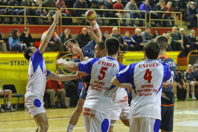 Rukometaši Spartaka nadigrali Jugović za prvo mesto pred plejof (22:21)