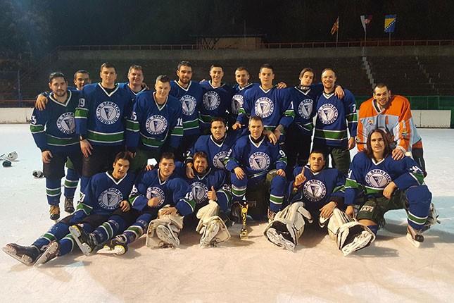 Hokej na ledu: Brojne aktivnosti mlađih kategorija i seniora Spartaka