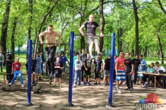 U Dudovoj šumi održano takmičenje u uličnom vežbanju