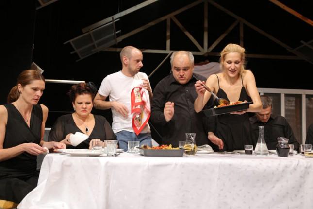 "Premijera predstave ""Avgust u okrugu Osejdž"" večeras u Narodnom pozorištu"