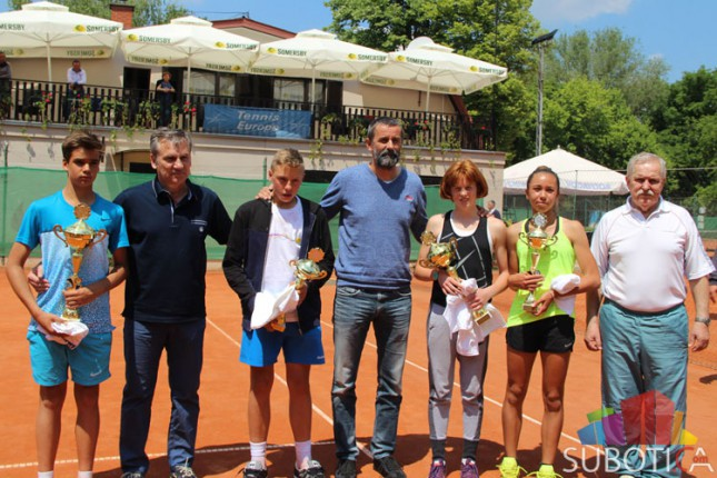 "Završen teniski memorijal ""Jovan Kukaras"" za dečake i devojčice do 14 godina"