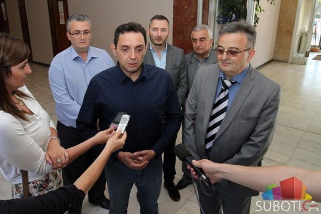 Vulin: Srbija neće podizati zidove!