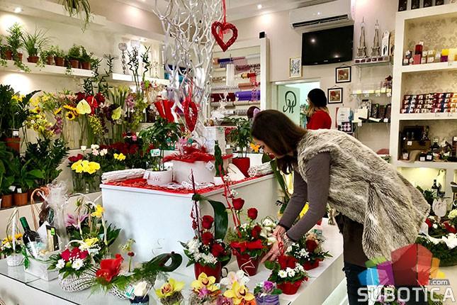 Sutra se obeležava Dan zaljubljenih