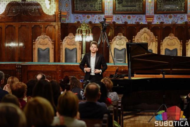 Velika većnica ugostila pijanistu svetskog glasa