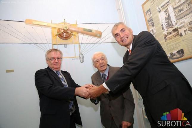 Otkriveno spomen obeleže u čast Ivana Sarića