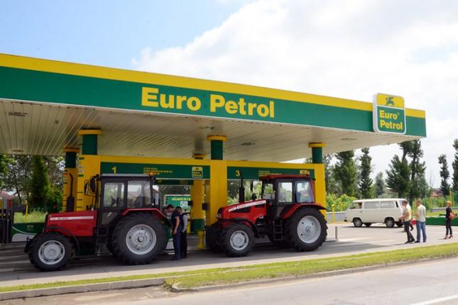 Euro Petrol uručio poklon gorivo prvim kupcima Belarus traktora