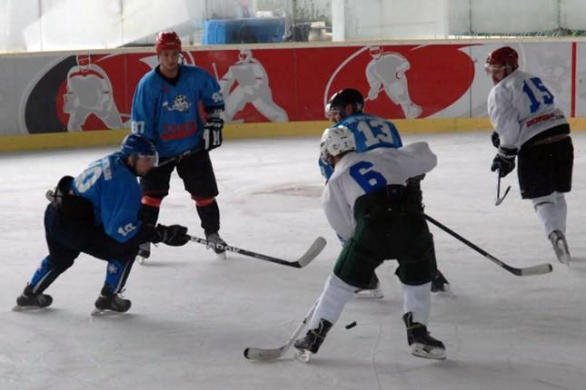 """Seniori HK """"Spartak"""" učestvovali na turniru """"Skopje Ice Festival 2014"""""""