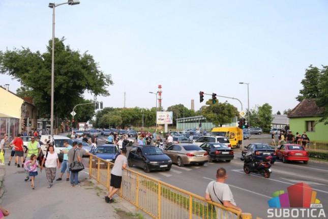 Nastavlja se protest nezadovoljnih vozača zbog cene goriva