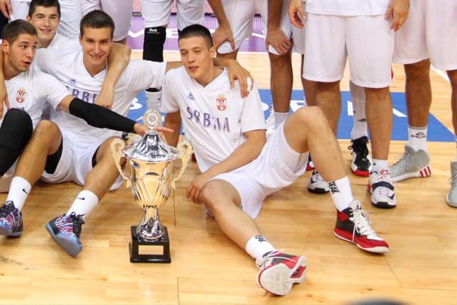 Miloš Milisavljević odigrao svoje prve sekunde u A košarkaškoj reprezentaciji