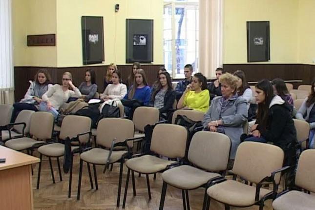 Predavanja za gimnazijalce povodom meseca prevencije bolesti zavisnosti