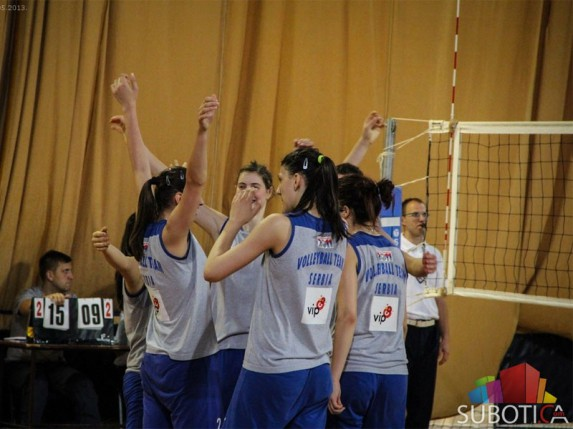 Druga pobeda juniorki Srbije protiv Brazila (3:2)