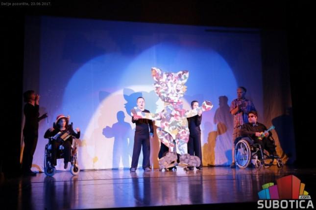 """Predstava dece iz """"Kolevke"""" na međunarodnom festivalu u Zenici"""