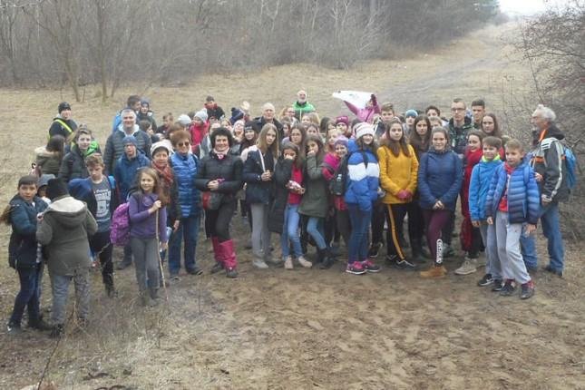 Osnovci istraživali Subotičku peščaru