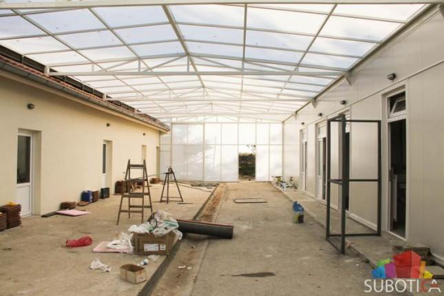 Gradnja prihvatilišta za migrante teče po planu