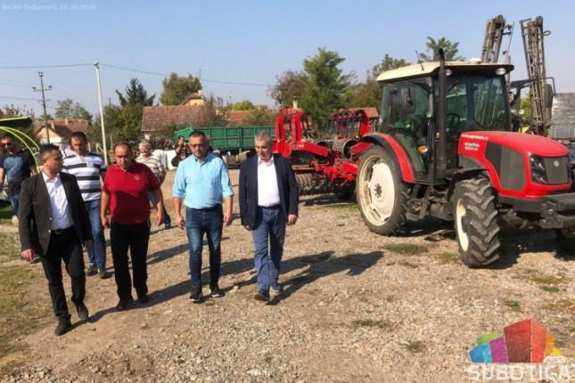 Ministar Nedimović u poseti subotičkim poljoprivrednicima