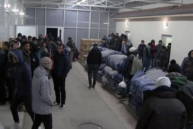 Migranti se raspoređuju po prihvatnim centrima