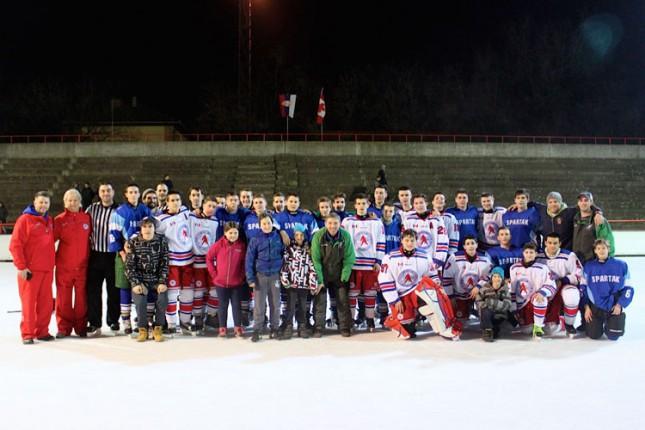Ledena ploča skinuta, ali hokejaši nastavljaju sa takmičenjima